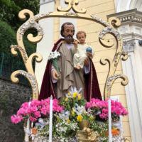 San Giuseppe Biella - La statua portata in processione.